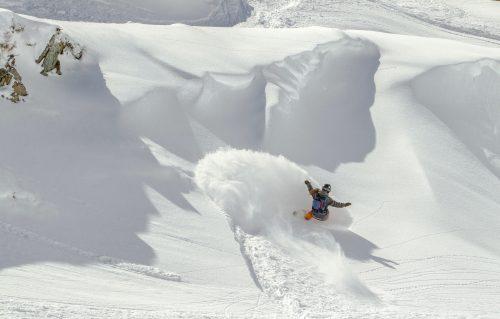 clases snowboard-camp-sneuu-katia martinez-profesora-snowboard-baqueira-freeride